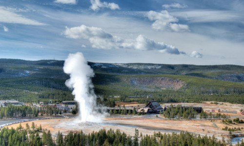 Old Faithful Geyser Basin Hike (Full Day Tour)